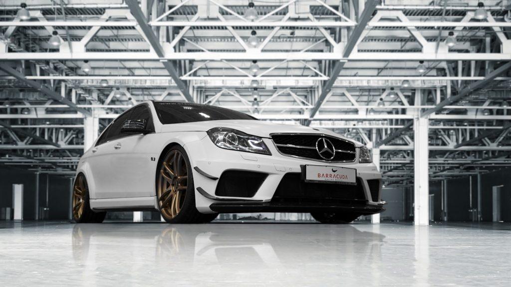 Exklusiver Mercedes C 63 AMG auf Barracuda Shoxx-Felgen